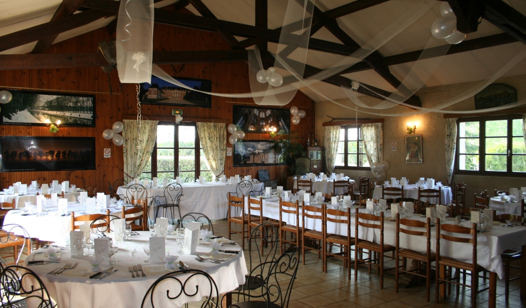 Restaurant En Terrasse Etampes