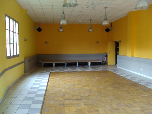 Salle des fetes de chaise dieu du theil 27580 chaise for Chaise dieu du theil