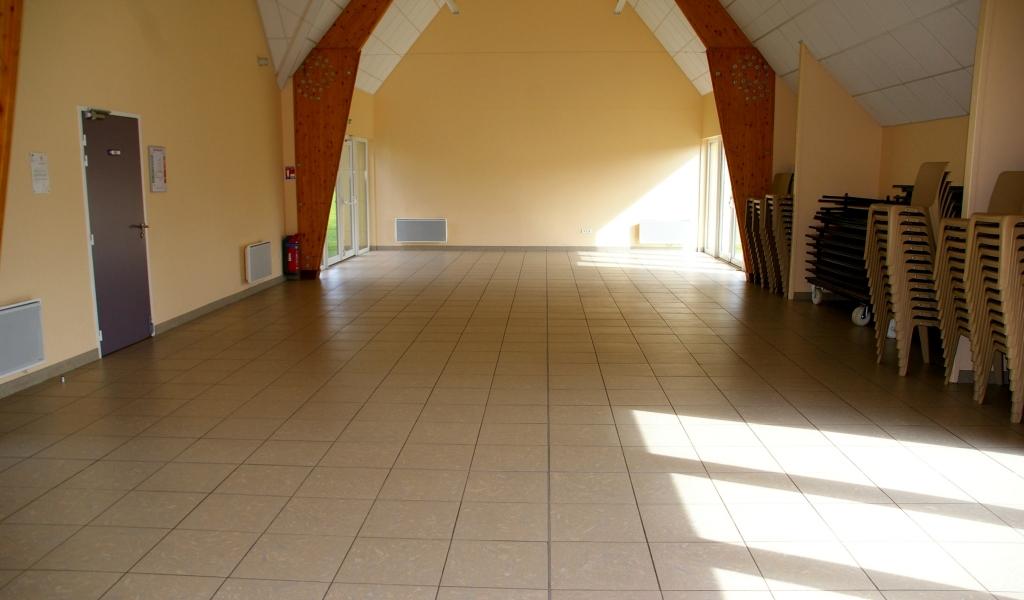 Salle Des Fetes De Putot En Bessin En Calvados 14 A 14740 Putot